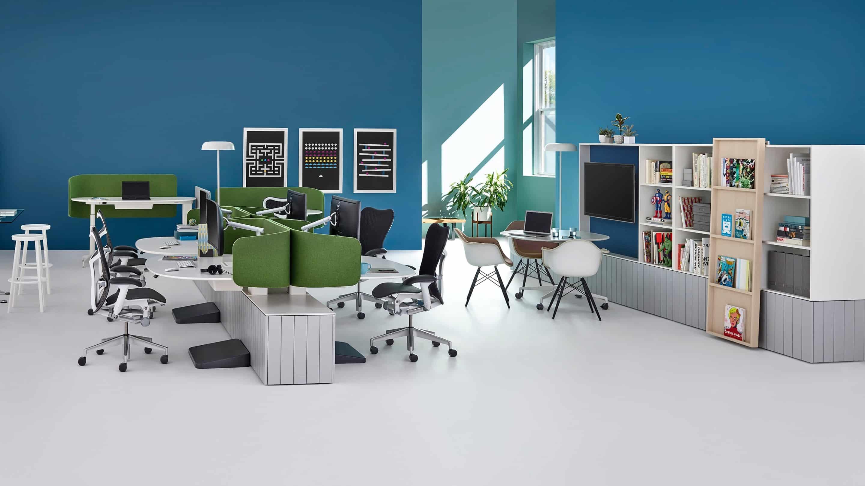 Marcas e cadeiras escritório